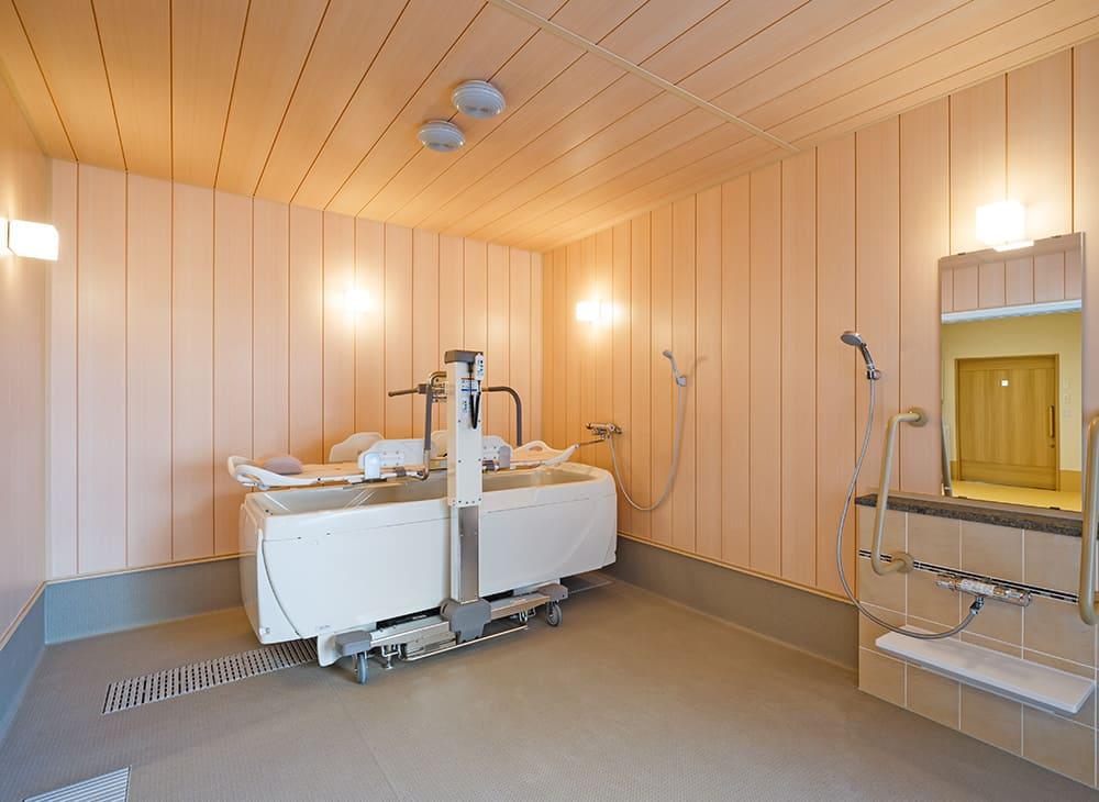 特別養護老人ホーム イル・ヴィラージュ 2階 機械浴室(王子建設施工)