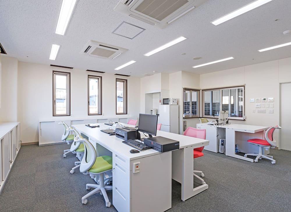 特別養護老人ホーム イル・ヴィラージュ 1階 事務室(王子建設施工)