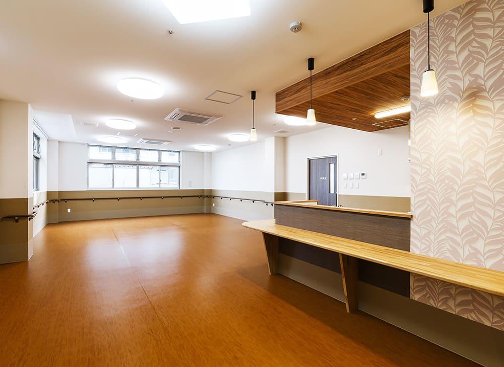 有料老人ホーム「縁」「恵」1階 食堂兼機能訓練室(王子建設施工)