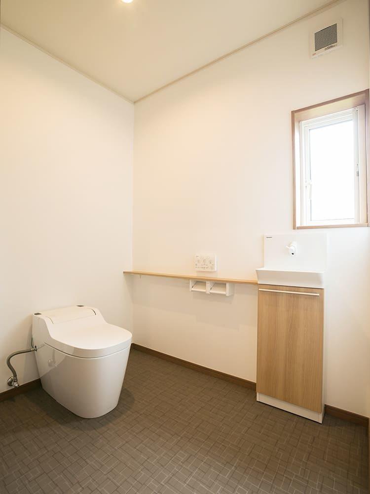 王子建設 個人住宅施工事例 トイレ