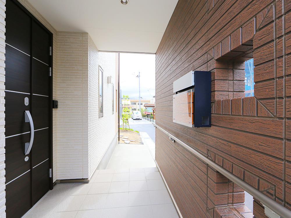 王子建設 個人住宅施工事例 玄関2